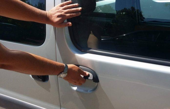 Ukraden automobil s parkirališta u Gređanima