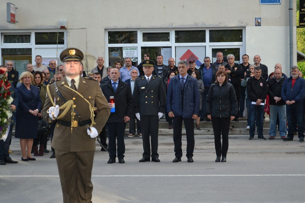 U Jasenovcu svečano otvorena Spomen-soba Domovinskog rata