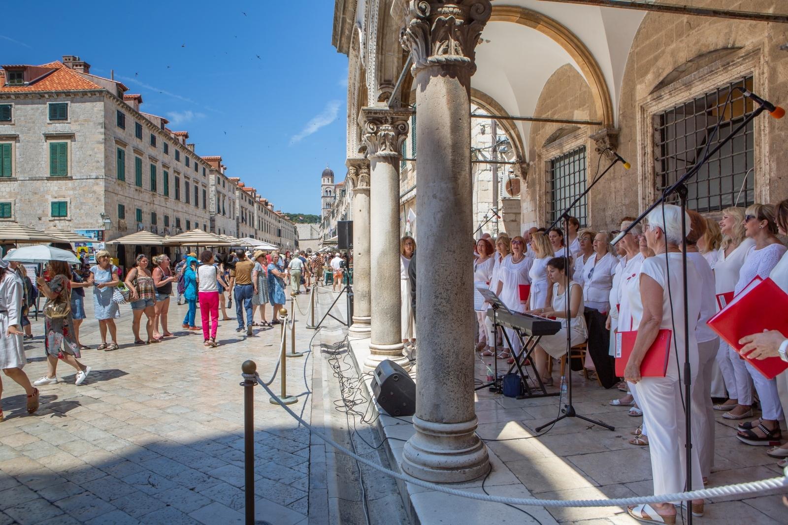 VIDEO: Koncert zbora Libertas za Svjetski dan glazbe u Dubrovniku