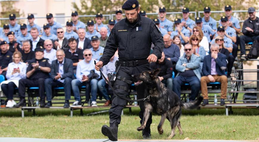 Dan policije obojio Jarun u plavo
