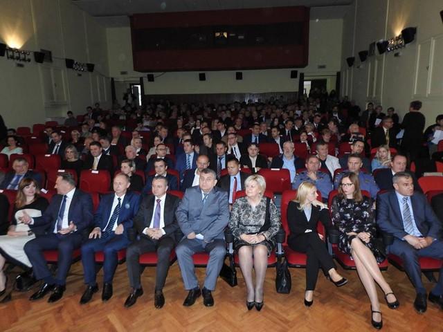 Velečasni Dragutin Papić, dobitnik nagrade za životno djelo Grada Kutine