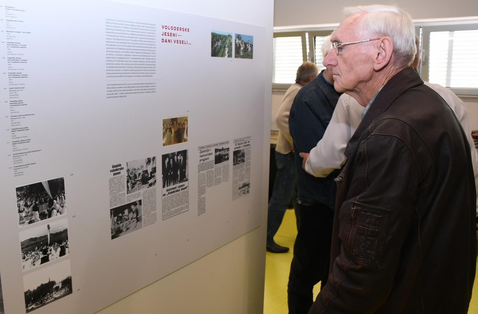 """Tjedan arhiva u Sisku otvoren izložbom """"Moslavačko gorje – višestoljetna tradicija vinogradarstva"""""""