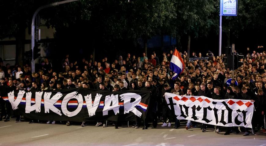 VIDEO: Torcida kolonom sjećanja i paljenjem svijeća odala počast žrtvama Vukovara