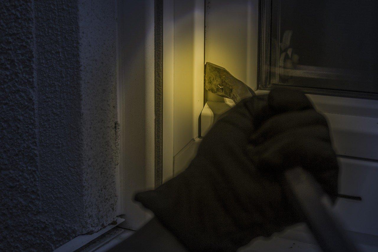 PROVALA U VRGINMOSTU – iz kuće 70-godišnjaka otuđen novac