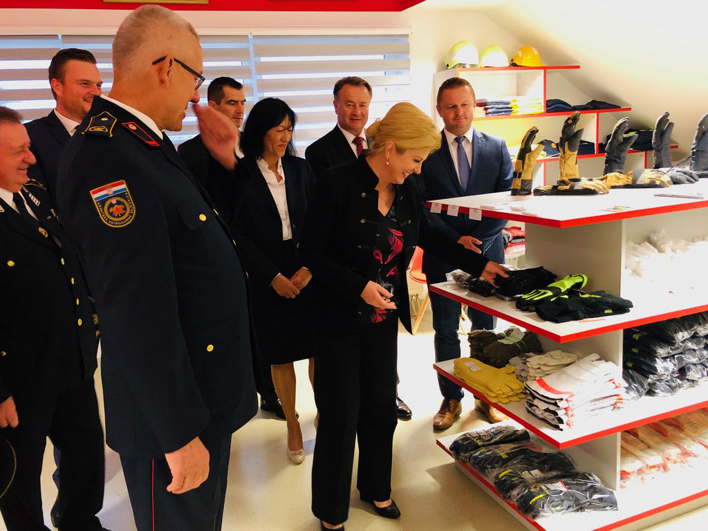 Predsjednica u Ježdovcu nazočila sjednici vatrogasnih dužnosnika